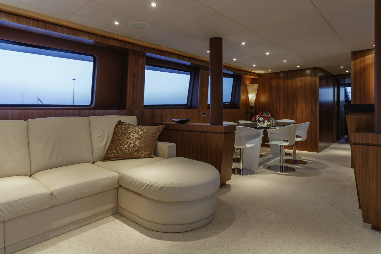 anti bu e vitres et miroirs cabine de bateaux. Black Bedroom Furniture Sets. Home Design Ideas