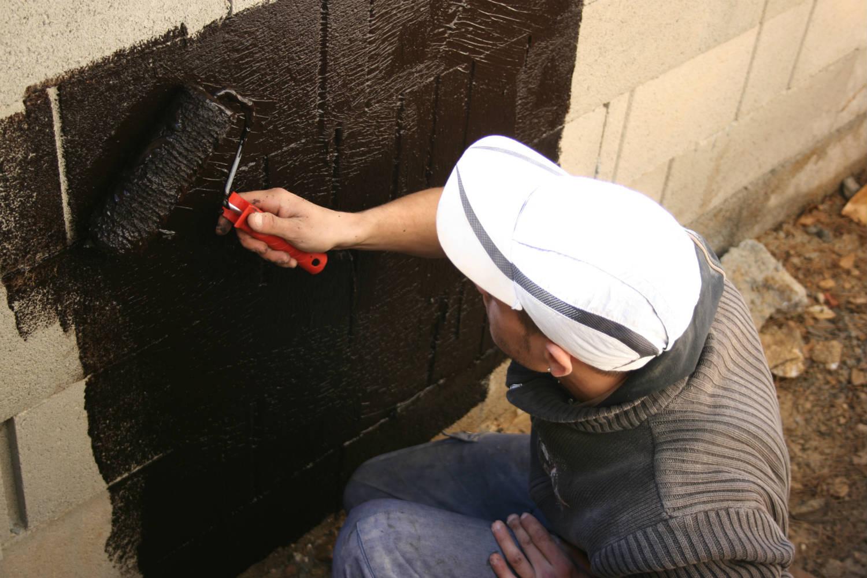 Noir p teux fondation - Comment enlever des traces noires sur un mur exterieur ...